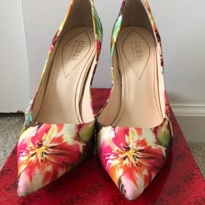 Guess floral point toe heels